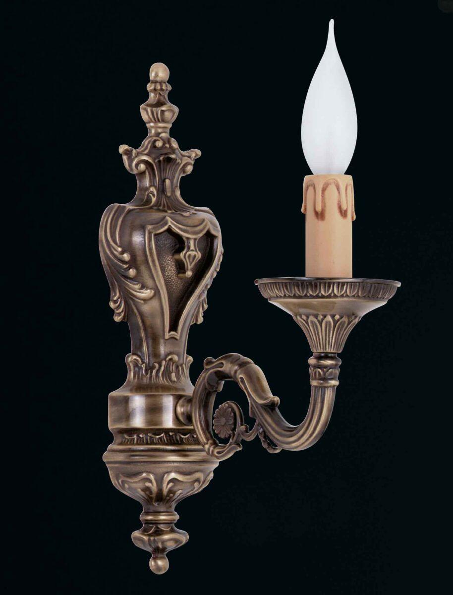 Fabbrica produzione lampadari classici la luce del futuro for Lampadari classici
