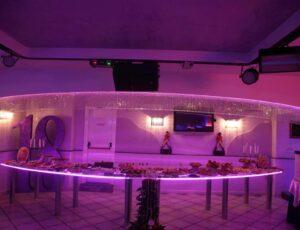Tavolo plexiglass illuminato con led