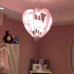 Lampadario modello cuore rosa